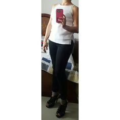 #outfitideas #outfitoftheday #blackandwhite #heelsandals #fashionconsulter #fashiongirl