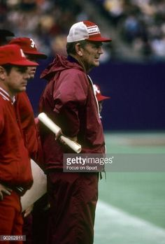 News Photo 1980-1989,Alabama Crimson Tide,American Football - Sport,American Football Field,Archival,Bear Bryant,East Rutherford,Giants Stadium,Head Coach ...
