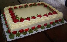 Cake Strawberry Cream Baking Ideas For 2019 Cake Decorating Icing, Cake Decorating Techniques, Fondant Cakes, Cupcake Cakes, Strawberry Sheet Cakes, Mousse Au Chocolat Torte, Decoration Patisserie, Birthday Desserts, Birthday Cake