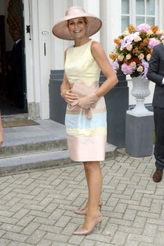 The always stylish Queen was in a gorgeous dress from one of her favourite fashion houses, Natan.