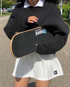 Skater Girl Outfits, Tomboy Outfits, Skater Girls, Indie Outfits, Teenager Outfits, Teen Fashion Outfits, Retro Outfits, Cute Casual Outfits, Summer Outfits