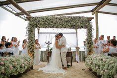 Para a publicação de hoje, separamos um item de decoração para casamento que tem sido muito escolhido para cerimônias na praia, sitío ou em ...