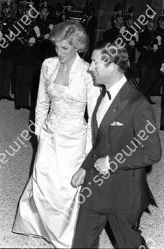 November 7, 1988: HRH Diana, Princess of Wales wears a white beaded dress and bolero designed by Victor Edelstein to a banquet at the Elysee Palace in Paris (Photo by Tim Graham/Getty Images) Tim Graham/Getty Images