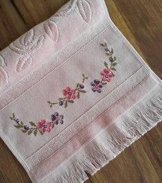 1 million+ Stunning Free Images to Use Anywhere Cross Stitch Needles, Cross Stitch Embroidery, Crochet Doilies, Crochet Flowers, Cross Stitch Designs, Cross Stitch Patterns, Palestinian Embroidery, Designs For Dresses, Chunky Crochet