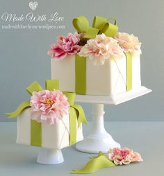 Wrapped Present Cakes