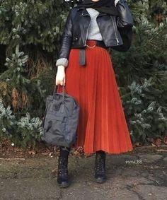 #Tesettür #Etek #Modelleri Tesettür Etek Modelleri 2020 Modest Fashion Hijab, Stylish Hijab, Modern Hijab Fashion, Hijab Casual, Hijab Fashion Inspiration, Hijab Chic, Muslim Fashion, Skirt Fashion, Fashion Outfits