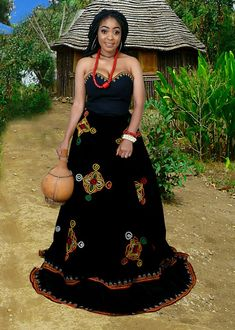 African Traditional Wedding Dress, Traditional African Clothing, Traditional Wedding Attire, Short African Dresses, Latest African Fashion Dresses, African Print Fashion, African Wedding Attire, African Attire, Most Beautiful Black Women