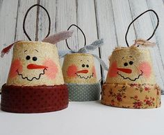 Vintage Clay Pot Snowman DIY Ornaments | The BEST vintage snowman crafts you'll find today!