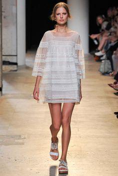 Paul & Joe Spring 2015 Ready-to-Wear - Collection - Gallery - Style.com Paul Joe, Runway Fashion, Spring Fashion, Fashion Show, Fashion Outfits, Paris Fashion, Women's Fashion, Couture Fashion, High Fashion