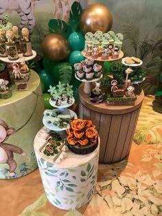 Safari Birthday Cakes, Kids Birthday Themes, Boy Birthday Parties, Safari Party Decorations, Safari Theme Party, Festa Safari Baby, Lion King Birthday, Baby Party, Bernardo