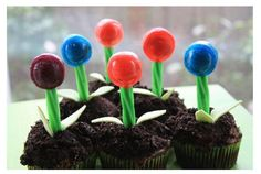 Cute lollipop cupcake toppers. Would be cute treat to take to school for your child's birthday treat