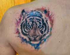 Tigre tatuado con la técnica de acuarela