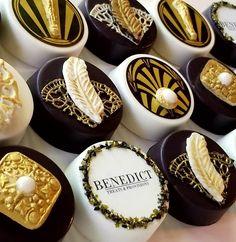 Gatsby Oreos® Gift Box – Benedict Treats and Provisions Chocolate Covered Treats, Chocolate Gift Boxes, Cupcakes, Cupcake Cookies, Gatsby Cookies, Elegant Cake Pops, Artisan Chocolate, Chocolate Art, Oreo Pops