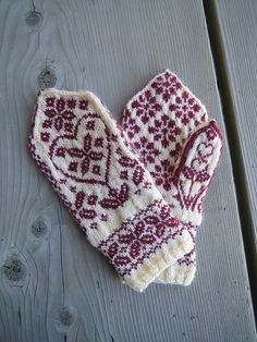 Really want fantastic hints regarding arts and crafts? Head to my amazing site! Knitted Mittens Pattern, Crochet Mittens, Fingerless Mittens, Knitted Gloves, Knitting Socks, Knitting Stitches, Knitting Patterns, Knit Crochet, Crochet Hats