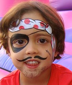 Simple face painting designs are not hard. Many people think that in order to have a great face painting creation, they have to use complex designs, rather then simple face painting designs. Pirate Face Paintings, Face Painting For Boys, Body Painting, Painting Trim, Face Painting Tutorials, Face Painting Designs, Paint Designs, Art Visage, Simple Face