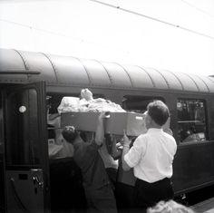 """Lourdestrein 1960 (Foto's uit de rijke deelcollectie """"Fotopersburo Foto Visie"""" van het Regionaal Historisch Centrum Eindhoven rhc-eindhoven.nl)"""