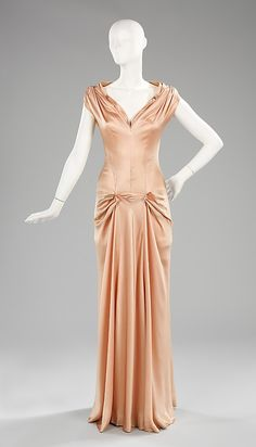 Charles James pink silk evening dress, 1945 - Brooklyn Museum Costume Collection at The Metropolitan Museum of Art 1930s Fashion, Edwardian Fashion, Retro Fashion, Vintage Fashion, Club Fashion, Charles James, 1940s Dresses, Day Dresses, Flapper Dresses
