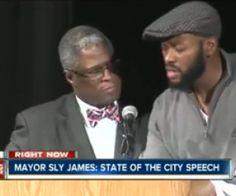 Kansas City Mayor Sly James' Speech Gets Hijacked by Cursing Man (Video) http://www.opposingviews.com/i/politics/kansas-city-mayor-sly-james-speech-gets-hijacked-cursing-man-video
