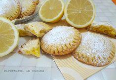 I biscotti al limone sono dei biscotti dal sapore delicato. Sono semplici da preparare, e sono perfetti accompagnati da una calda tazza di tè.