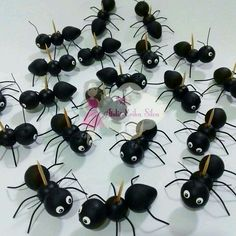 Bug Cake, Pasta Flexible, Ants, Biscuits, Diy And Crafts, Alice, Clay, Creative, Holiday