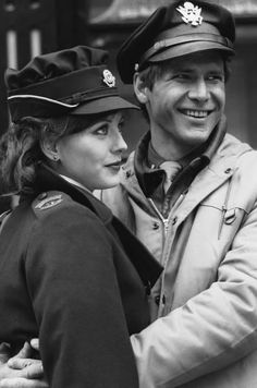 Hanover Street - Harrison Ford & Lesley-Anne Down Harrison Ford Movies, Civil War Movies, Hanover Street, Terry O Neill, Just Good Friends, Vintage Classics, Straight Guys, Great Films, Indiana Jones