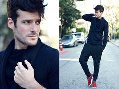 Zara Sweatshirt, Zara Pants, Nike #fashion #mensfashion #menswear #mensstyle #streetstyle #style #outfit #ootd