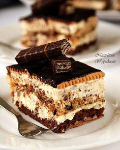 Nastoletnie Wypiekanie: Ciasto Prince Polo Sweet Like Chocolate, Slovak Recipes, Good Food, Yummy Food, Crazy Cakes, Polish Recipes, Mini Foods, How Sweet Eats, Cookie Desserts