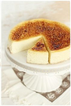 crème brûlée cheesecake - Next time you're in town Nelson Nelson Ross Creme Brulee Cheesecake, Cheesecake Recipes, Dessert Recipes, Cupcakes, Cupcake Cakes, Food Cakes, Delicious Desserts, Yummy Food, Just Desserts