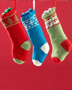Deck the halls with these fun, festive stockings! Shown in Bernat Super Value.