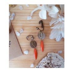 ▲ BILUNE ▲ Boucles d'oreilles type clips, pendentif bronze & rouge orangé ! : Boucles d'oreille par elora