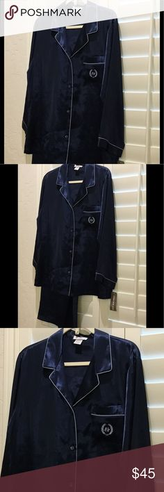 Navy Blue Jones NY Pajama Set NWT two piece Navy Blue Pajama Set piped in white, size L. Gorgeous!❤️ Jones New York Intimates & Sleepwear Pajamas