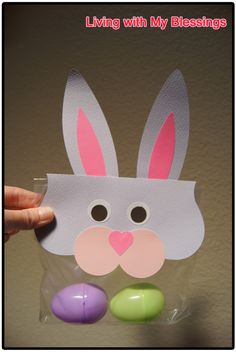 Easter Bunny Zippy Bag Topper ... free printable.