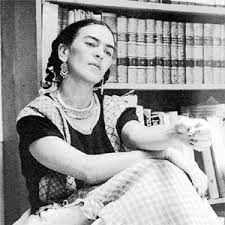 Frida Kahlo (Coyoacán, 6 de julio de 1907 – Coyoacán, 13 de julio de 1954), fue una pintora mexicana.  Fue de las primeras pintoras que expresó en su obra su identidad femenina desde su propia óptica de sí misma como mujer, rechazando la visión de lo femenino que se dibujaba desde el tradicional mundo masculino. Ella fue una de las que contribuyó en la formación de un nuevo tipo de identidad para la mujer y es reconocida, hoy, como un símbolo.