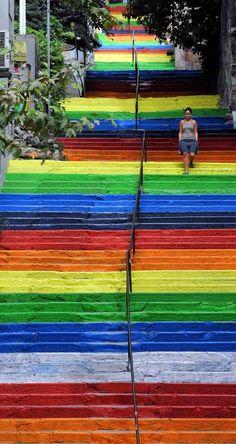 best-cities-to-see-street-art- Merdiven Sokak Sanatı (Art of street stairs) Istanbul Urban Art Turkey Rainbow Beautiful World, Beautiful Places, Beautiful Stairs, Amazing Places, Beautiful Pictures, Painted Stairs, Painted Staircases, Stairway To Heaven, Stairway Art
