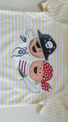 estos piratas no son tan fieros!!!  by Pepete T-shirts