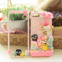 Tired of having your phone case look like everyone elses? I found tons of awesome DIY phone case tutor… Kawaii Phone Case, Decoden Phone Case, Silicone Phone Case, Diy Phone Case, Ice Crafts, Resin Crafts, Cute Cases, Cute Phone Cases, Iphone 5
