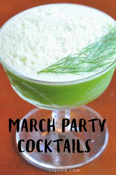 Patrick's Day is all about parades, shamrocks, and of course, booze. If you're not into Irish Whiskey, you need to try these 11 St. Best Cocktail Recipes, Easy Cocktails, Classic Cocktails, Fun Drinks, Party Drinks, Cocktail Ideas, Beverages, Irish Whiskey Drinks, St Patricks Day Drinks