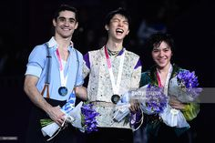 GPF 2015. Yuzu extended his arm, so Shoma thought Yuzu was asking him to do arm in arm posture, then Yuzu burst out into laugh. These two can't help laughing at this small incident during the whole podium photo-taking. And Yuzu kept teasing teasing Shoma about that when they stepped down the podium