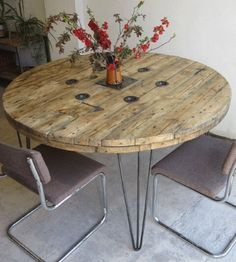 Round Metal Patio Table and Chairs . Round Metal Patio Table and Chairs . Wire Spoll Coffee Table End Table Bedside Table Rustic Table Rustic Table, Rustic Side Table, Metal Patio Furniture, Spool Furniture, Rustic Furniture, Dining Table, Rustic Bedside Table, Furniture Side Tables, Pallet Furniture Outdoor