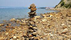 Slovinsko má čtyřicet kilometrů pobřeží, a přesto se zde dá strávit příjemná dovolená. Dále popisuji ubytování, pláž, jídlo, ceny, výlety.