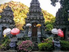 Kerta Kawat Temple, a super bikeride from Villa Semadhi. The location is in a beautiful oasis, lush green colours. A must on this bike tour is also the Jungle Temple and the Melanting temple. All close to eachother.