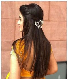 Wedding Hairstyles With Flowers Braid Curls Updo 30 Ideas For 2019 Saree Hairstyles, Open Hairstyles, Indian Wedding Hairstyles, Back To School Hairstyles, Bride Hairstyles, Hairstyles Haircuts, Indian Hairstyles For Saree, Everyday Hairstyles, Formal Hairstyles