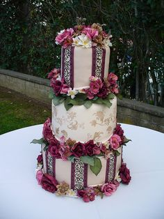 elegant wedding cake by brookecorpus, via Flickr