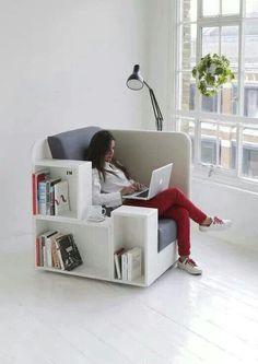 Een alles-bij-de-hand-stoel. Lekker praktisch!