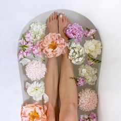 My usual bath includes 3 cups of bath salts 3 drops of peppermint essential oil 2 drops of eucalyptus essential oil Half a cup of baking soda Half a rose jam bubbleroon from lush