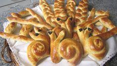 Pan para hacer con los niños en casa. Ver la receta http://www.mis-recetas.org/recetas/show/43553-pan-para-hacer-con-los-ninos-en-casa