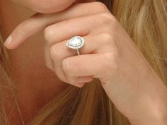 Katherine Heigl's pear shaped engagement ring