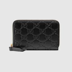 b4b9db08d182 GUCCI Gucci Signature Card Case.  gucci  bags  leather   Gucci Gucci