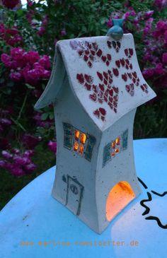 Stimmungsvolles Kerzenhaus. Keramik, frostfest, Windlicht
