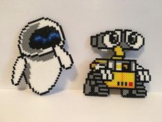 perler beads pattern Disney Wall-E and Eve mini perler bead figures Something about Home Decor Artic Perler Bead Designs, Easy Perler Bead Patterns, Perler Bead Templates, Hama Beads Design, Pearler Bead Patterns, Diy Perler Beads, Perler Bead Art, Pearler Beads, Loom Patterns